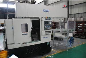 Máy tiện CNC bàn nghiêng kết hợp cánh tay robot DS-6-T