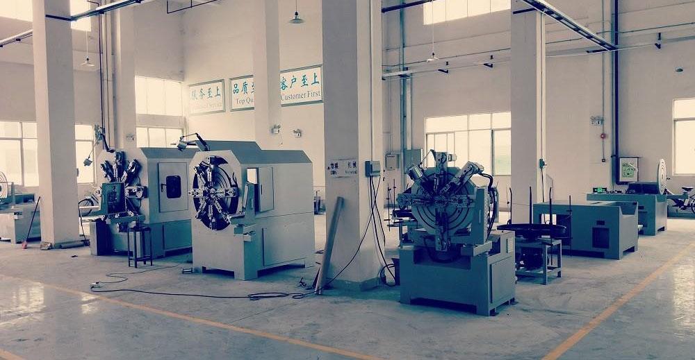 Máy uốn lò xò CNC