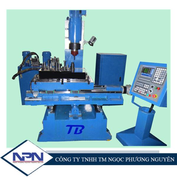 Máy tán đinh CNC cho đầu xi lanh động cơ ô tô TB-LJM8-SK