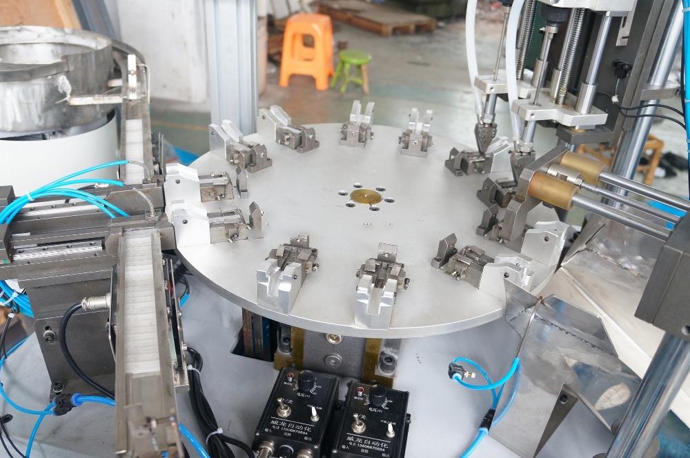 Máy vặn vít tự động cho khung lắp ráp