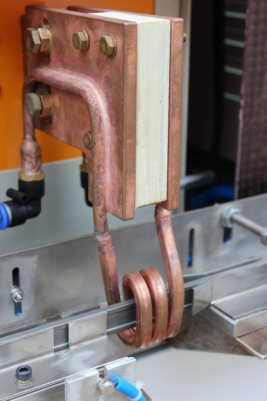 Máy xử lý nhiệt cảm ứng cho dây chuyền sản xuất